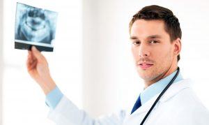 Что нужно сделать перед имплантацией зубов?